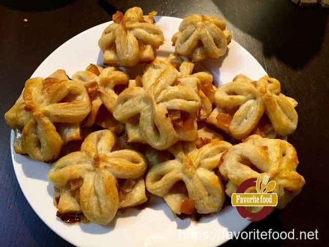 булочки с яблочным вареньем