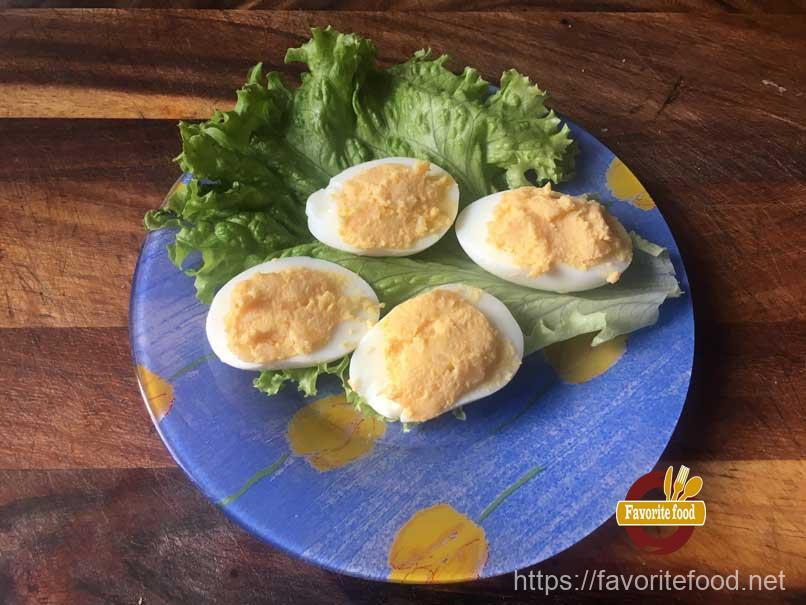 Яйцо фаршированное