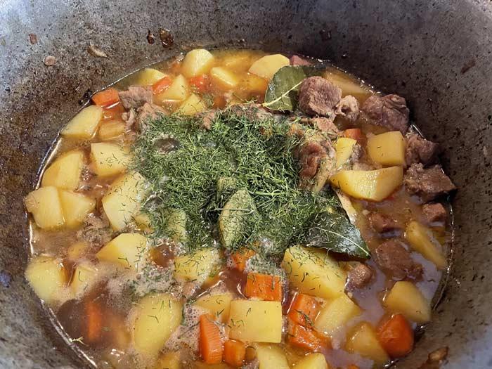 мясо тушеное с картошкой